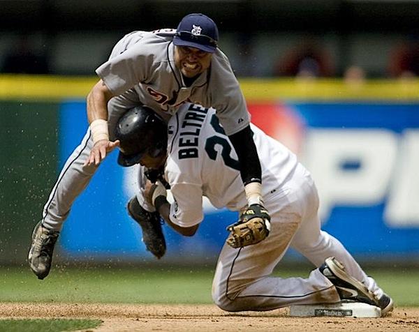 http://digital-photography-school.com/wp-content/uploads/2009/05/baseball-photography-5.jpg