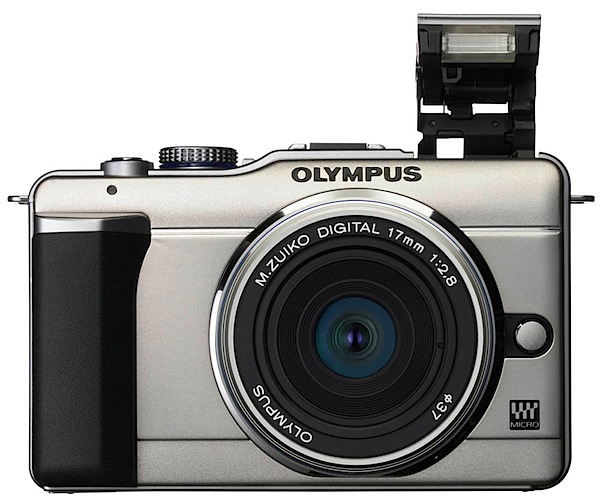 Olympus PEN E-PL1 lens flash