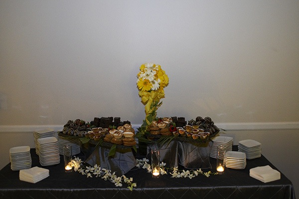 dessert table overview.jpg