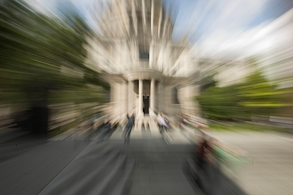 How to Take Photos with the Zoom Blur Effect [Includes ...
