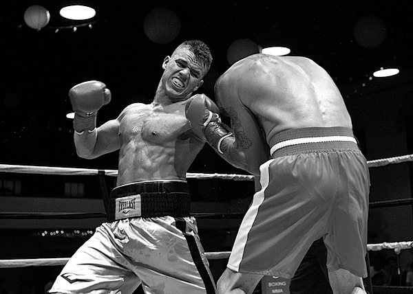 How to Take Boxing Photos