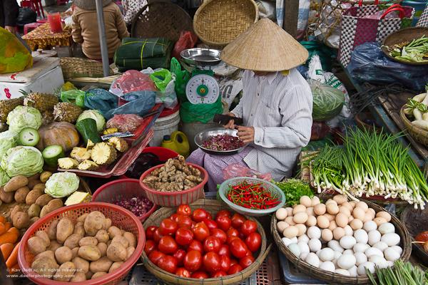 Vietnamese Everyday Life The Buzz of Everyday Life