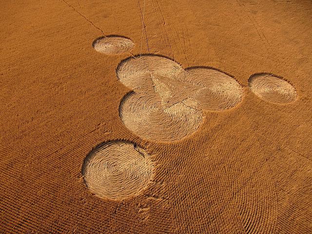 Full Crop Circle and String