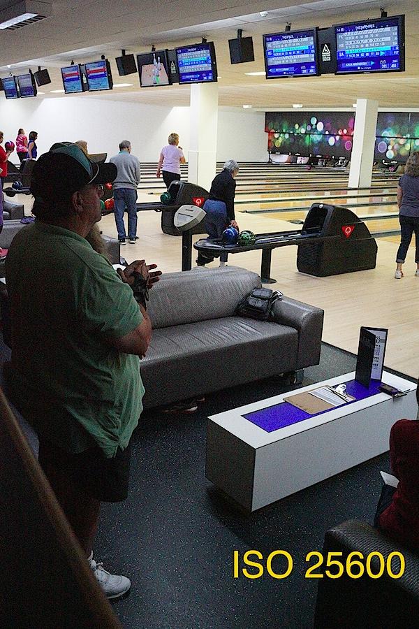 Bowling 2 ISO 25600.JPG