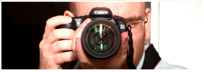 How-To-Hold-A-Digital-Camera