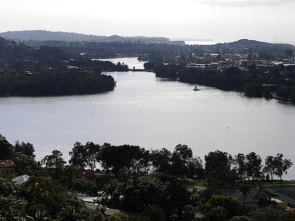Narrabeen lake 2.JPG