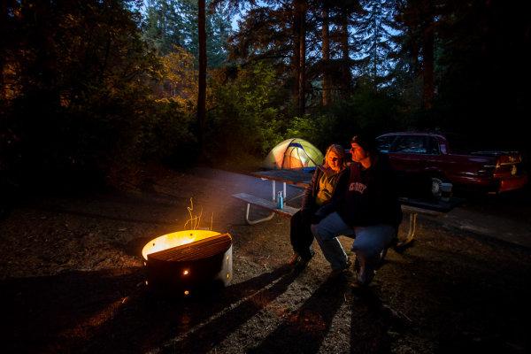 night-campfire-photography-009