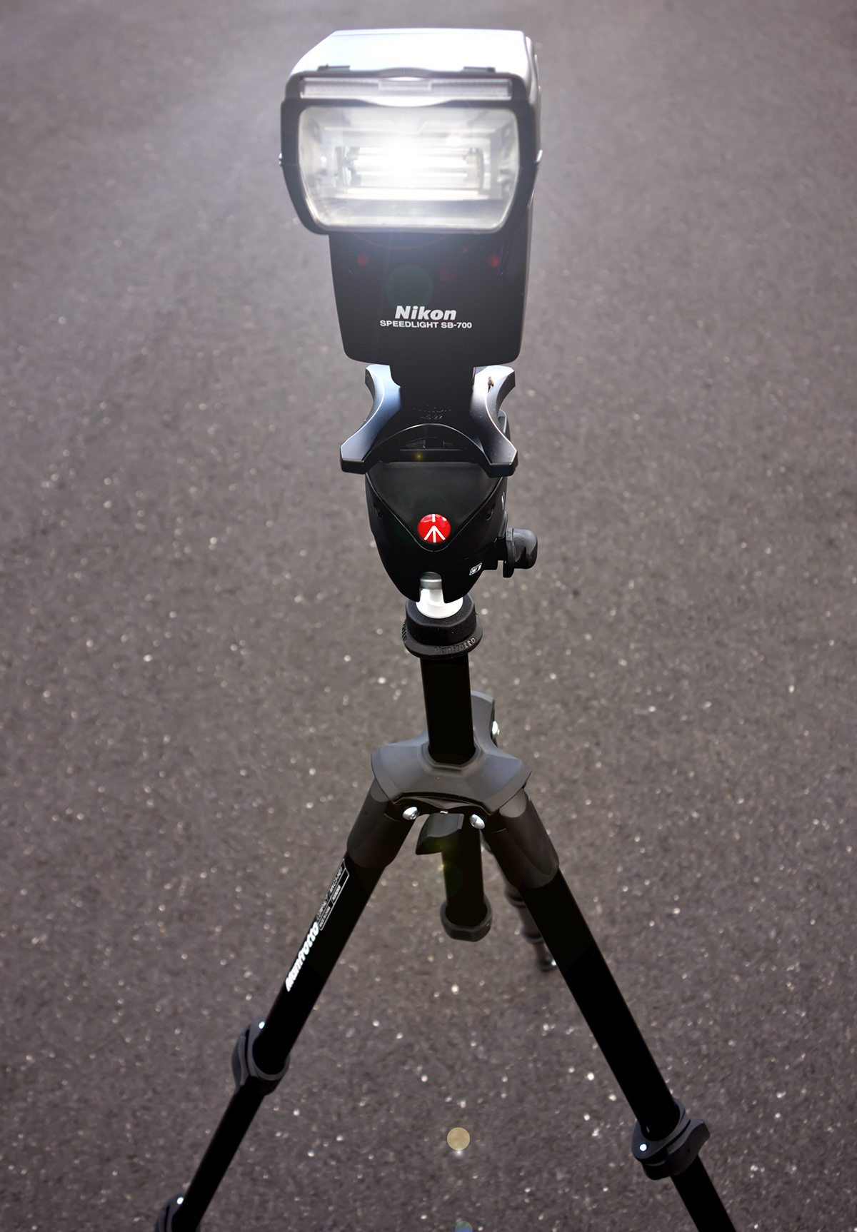 how to put a camera on a manfrotto tripod