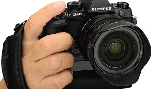 Olympus-OM-D-E-M1-Review-front.jpg