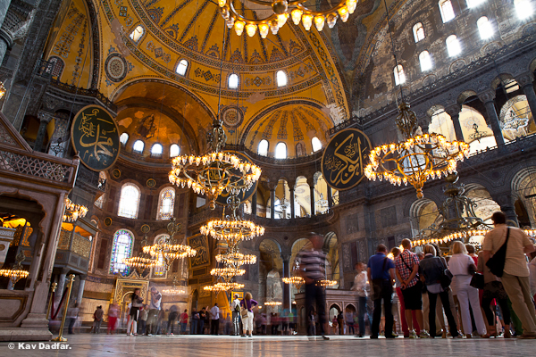 Kav-Dadfar-People-In-Photos-Istanbul-Hagia-Sofia