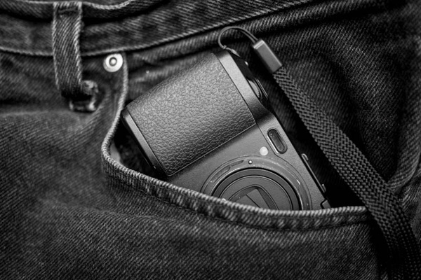 Pocket Camera Ricoh GRD IV