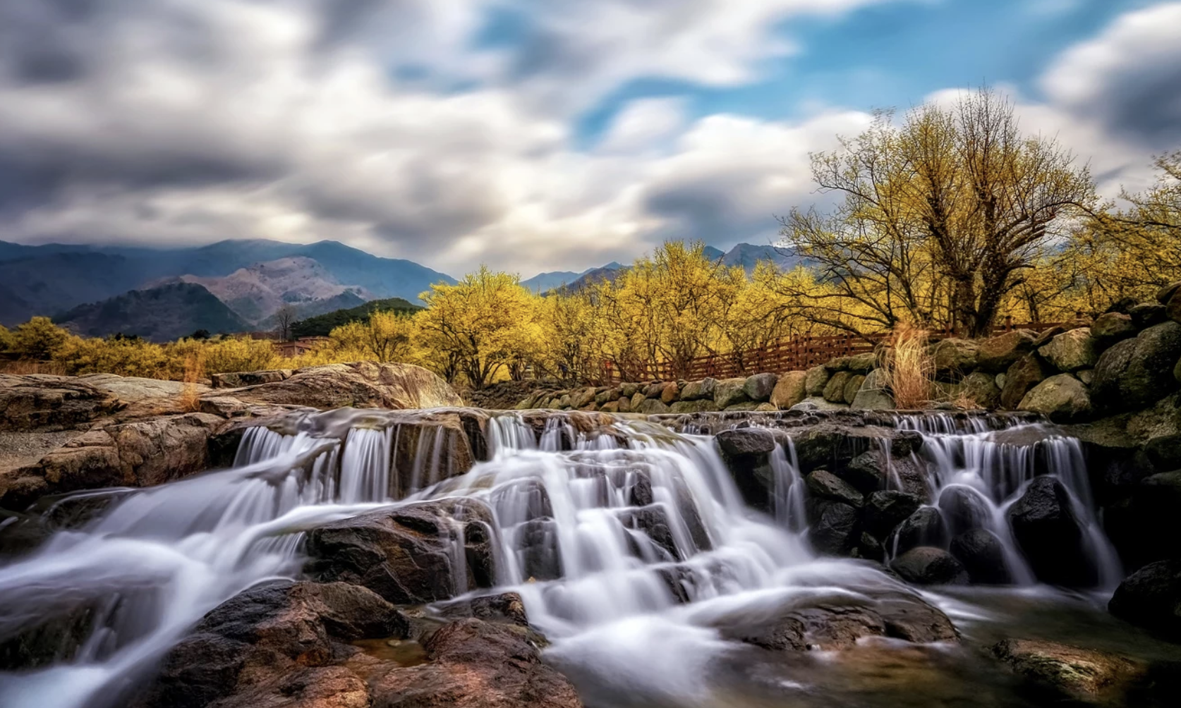 A Collection Of Waterfall Photos To Spruce Up Your Weekend
