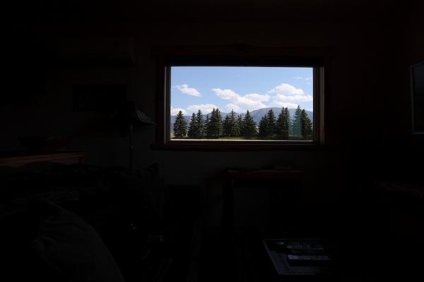 10 Montana Exterior