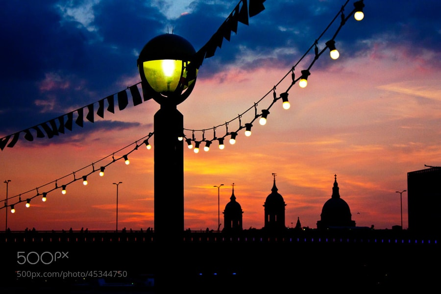 Photograph London Bridge at sunset by Rob Dawkins on 500px