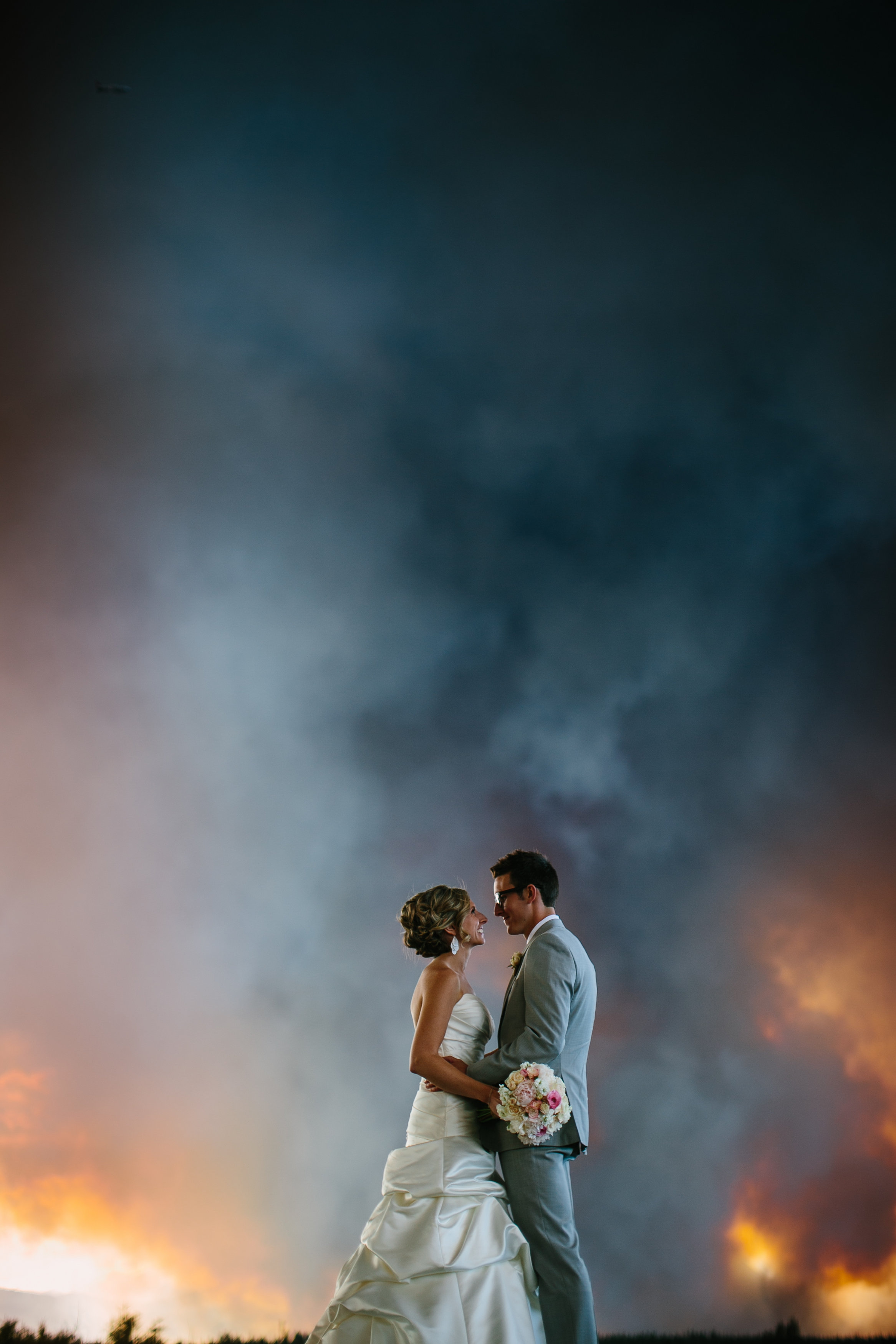 Photographer Captures Spectacular Wedding Photo with Wildfire Backdrop [Updated]