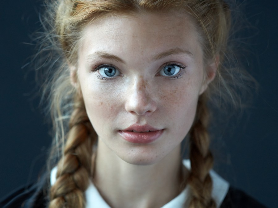 5 Examples of Beautiful Simple Portraits - Digital Photography School