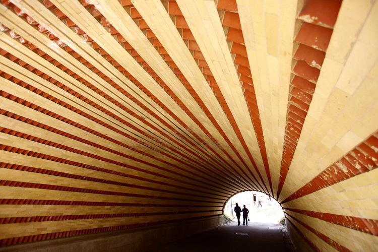 8_tunnel