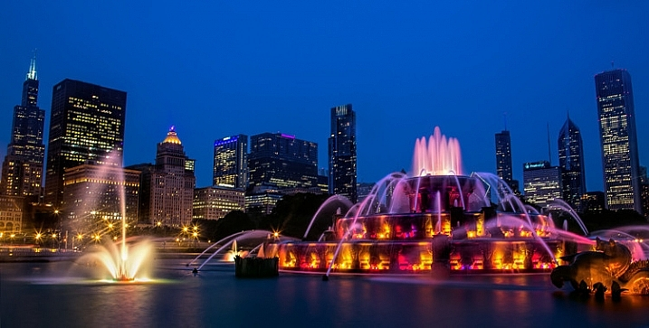 Night Photographers Toolbox - Buckingham Fountain in Chicago