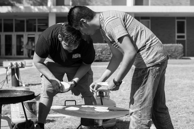 http://digital-photography-school.com/wp-content/uploads/2015/07/black-and-white-filters-hispanic-student-association.jpg