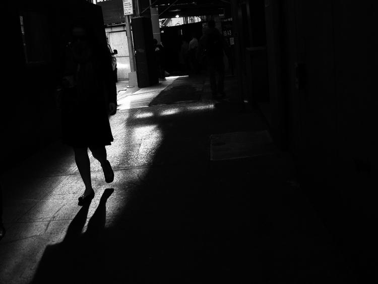 http://digital-photography-school.com/wp-content/uploads/2015/07/bw-darkness.jpg