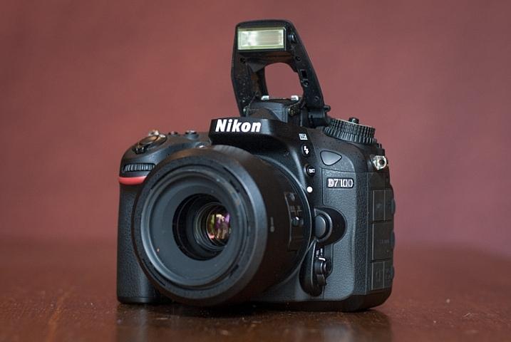 trigger-off-camera-flash-popup-flash