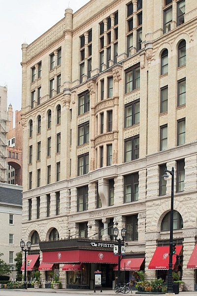 Memorable Jaunts Urban Photography Article for Digital Photography School Pfister Hotel Downtown Milwaukee