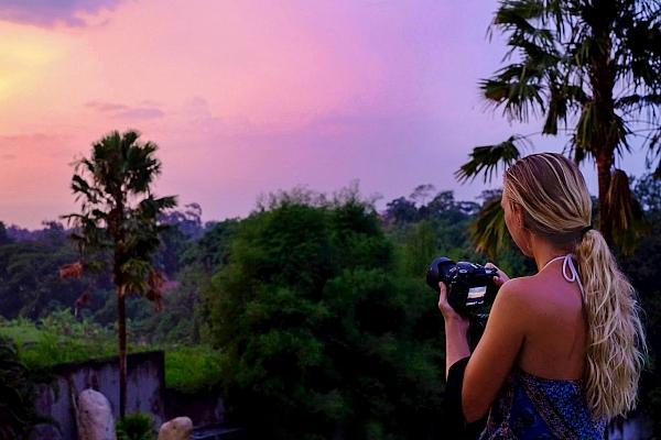 The Camera Bag of a Professional Traveler