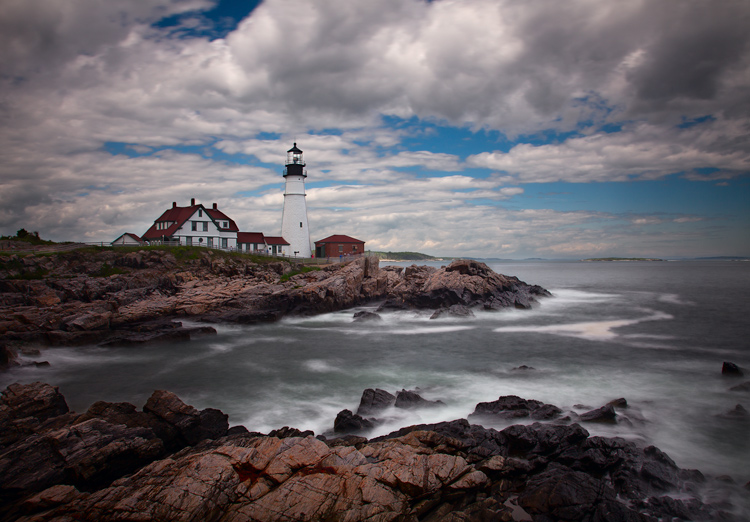 http://digital-photography-school.com/wp-content/uploads/2015/09/PortlandHeadLight.jpg