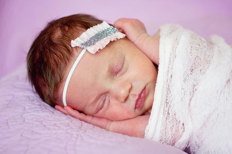 newborn-posing-setup-8