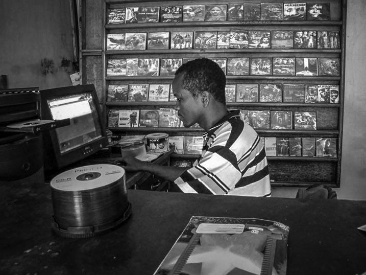 006 Electronic store 2bw