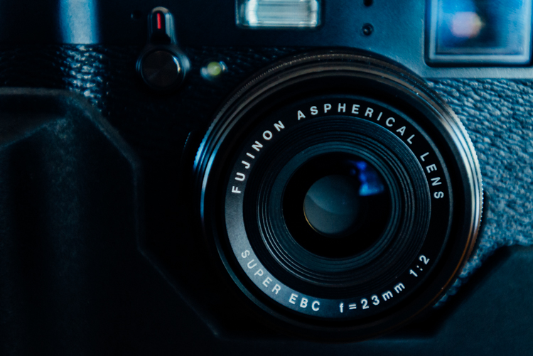 The Fujifilm X100T's lens