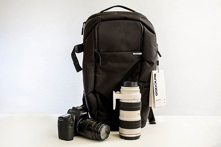 Review: Incase DSLR Pro Pack Backpack
