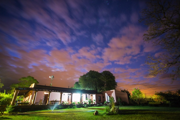 http://digital-photography-school.com/wp-content/uploads/2015/12/Arg-Salta-SantAnita-house-night-104133-18.jpg