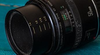 Canon 50mm f/2.5 Compact Macro