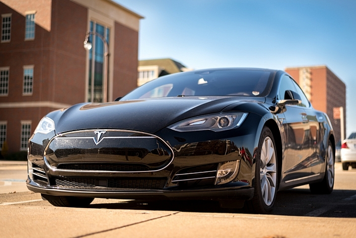 focus-and-recompose-tesla