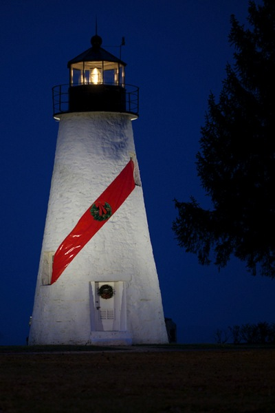 http://digital-photography-school.com/wp-content/uploads/2016/01/3-Lighthouse-Vickie-Lewis-Photography-for-dps.jpg