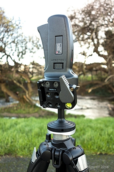Manfrotto-322RC2-Joystick-head-in-vertical-position