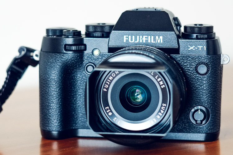 Mirrorless cameras and focusing