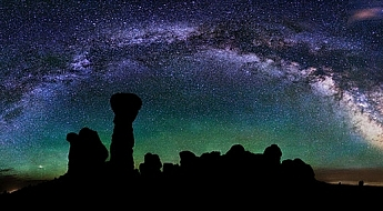 Milky-Way-Arches-National-Park.jpg