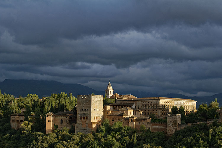 http://digital-photography-school.com/wp-content/uploads/2016/03/alhambra-palace-ranked-number-1.jpg