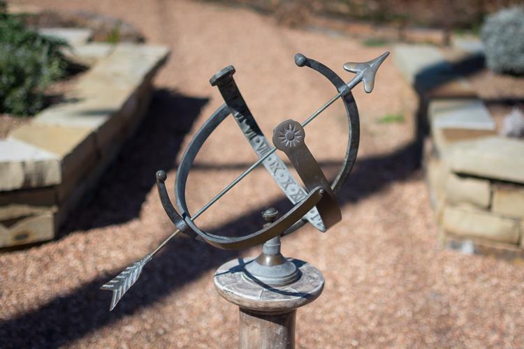 microcomposition-sundial-proper