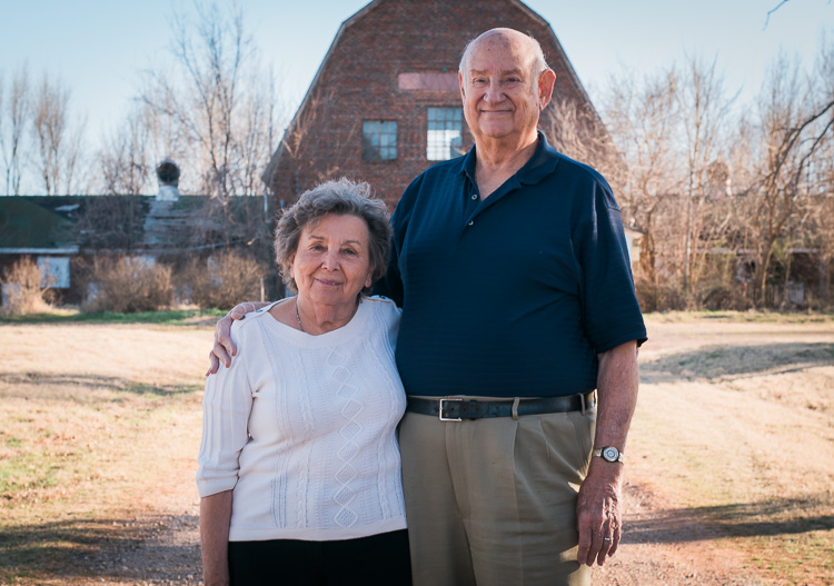 relaxing-for-portrait-session-couple-barn