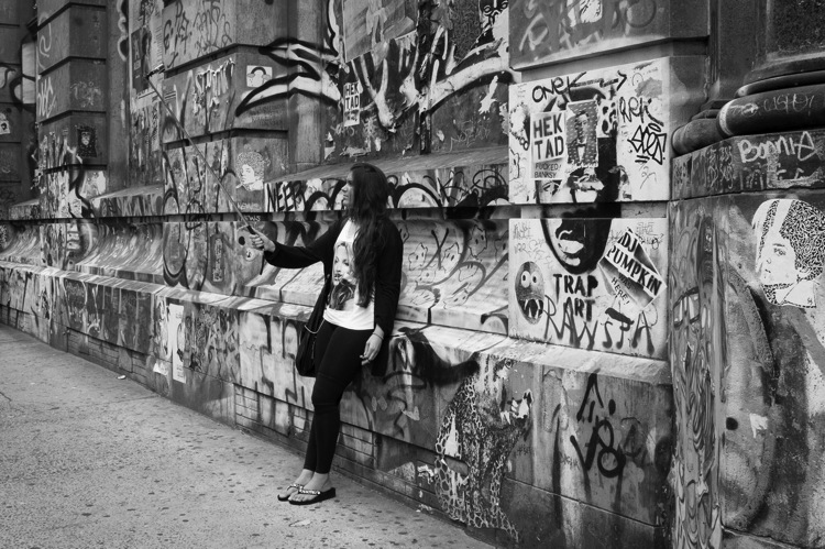 Graffiti selfie