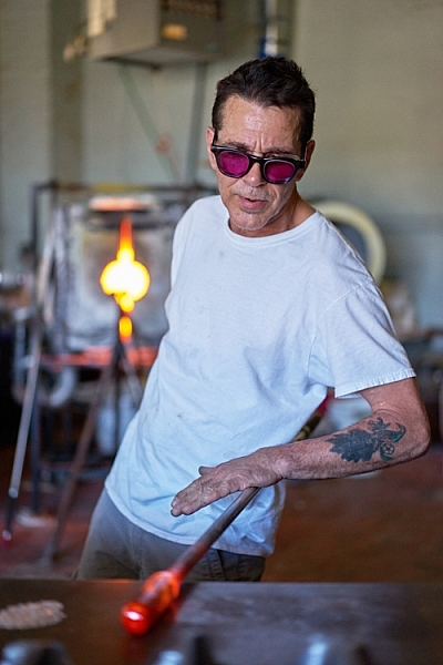 http://digital-photography-school.com/wp-content/uploads/2016/07/1-lead-action-glass-blower-Rockaway-Beach-Jun-03-2016at12-36-PM-400x600.jpg