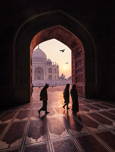 http://digital-photography-school.com/wp-content/uploads/2016/07/Sunrise-at-Taj-Majal.jpg