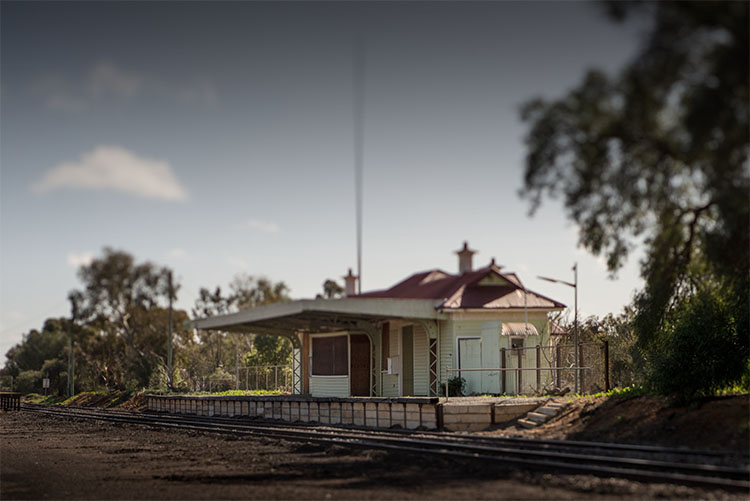 leannecole-lensbaby-old-train-station