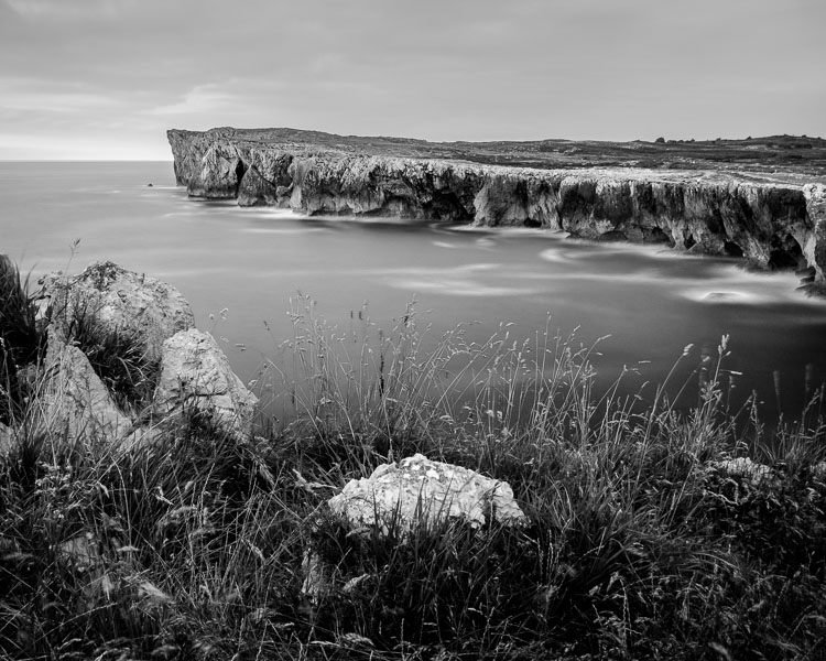 Black & white landscape in Lightroom