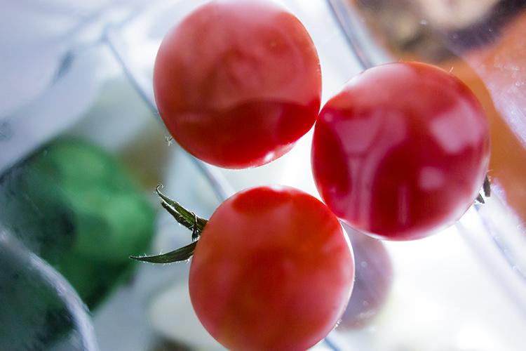 cherry-tomatoes-taken-underneath-glass-shelf