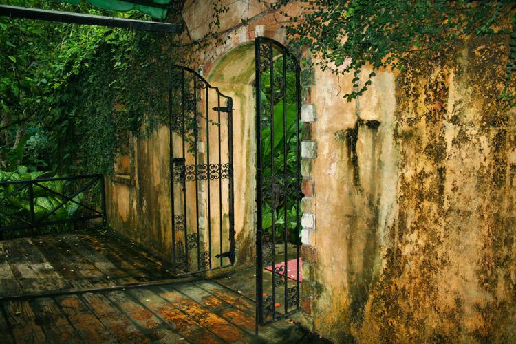 arnos-vale-entrance-architecture