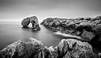 Black & white landscape photo